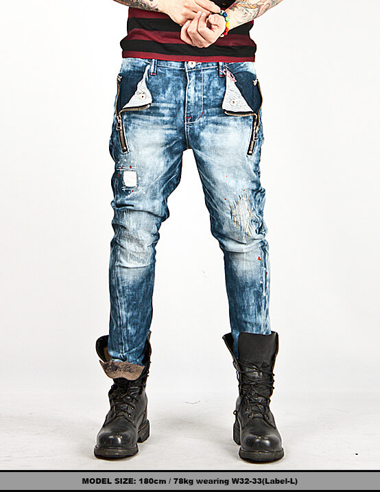 Baggy jeans, once wildly popular in the s, have since gone out of fashion. Tight or skinny jeans are, as of , showcased in fashion magazines, worn by .