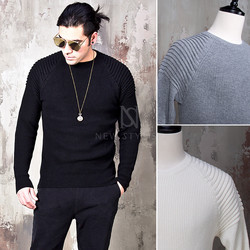 Pintuck accent slim knit sweater