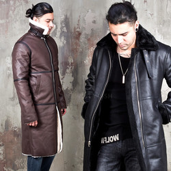 Shearing long zip-up leather jacket
