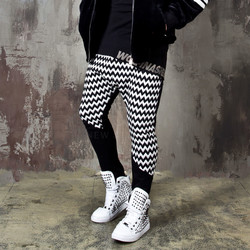 Contrast asymmetric zigzag patterned baggy sweatpants