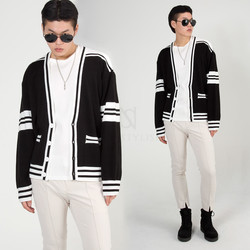Contrast stripe short knit cardigan